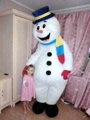 Оригинальное,  необычное поздравление зимой,  ростовая кукла Снеговик,  Снеговик-почтовик,  доставка цветов подарков ростовой куклой Снеговик